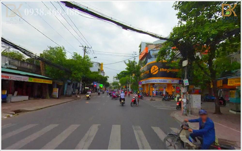 cho-thue-goc-2mt-138b-go-dau-tan-phu